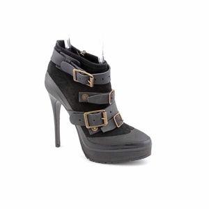 Burberry short heel boots